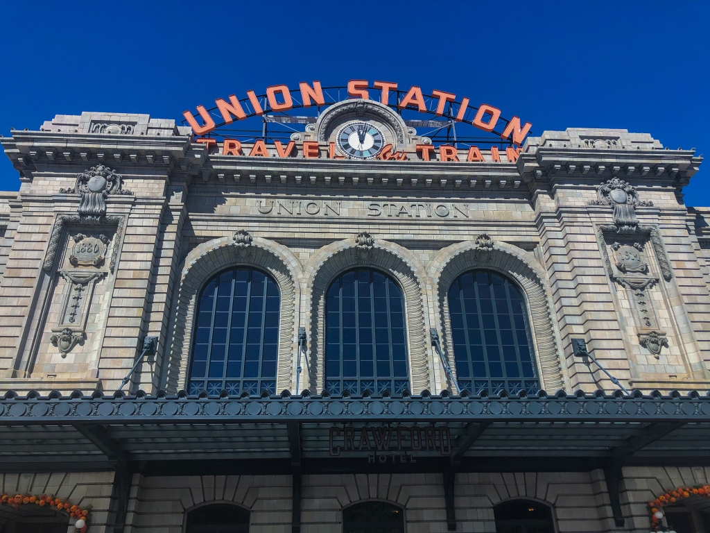 the outside facade of Union Station in Denver, CO