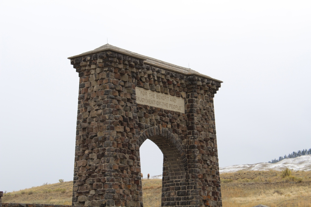 picture of the Roosevelt Arch at the original entrance to Yellowstone