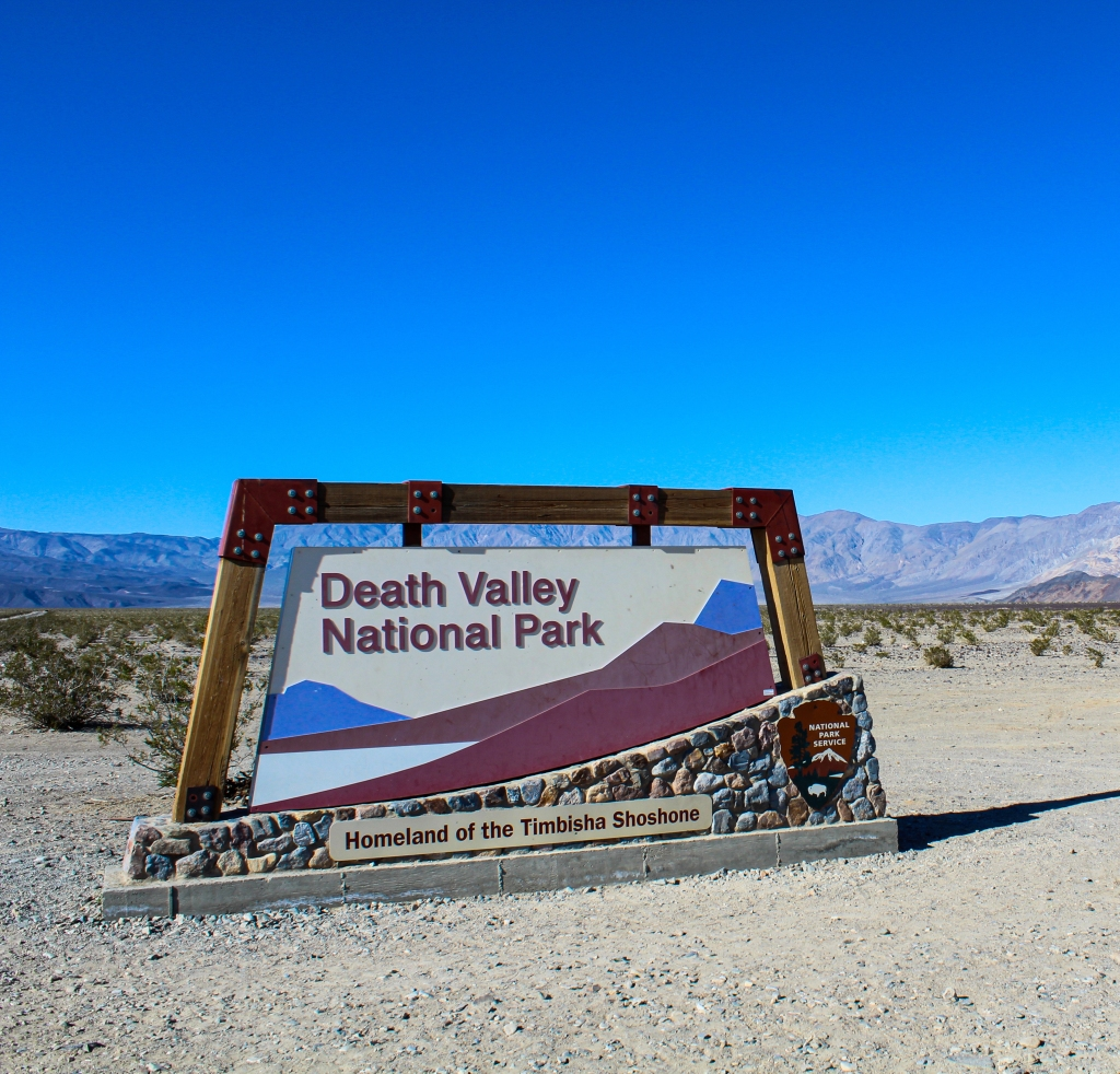 picture of entrance sign to Death Valley National Park