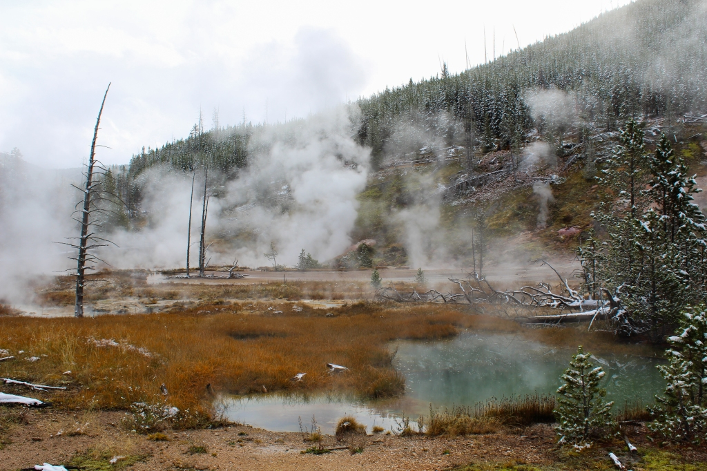 fumarole geothermal feature